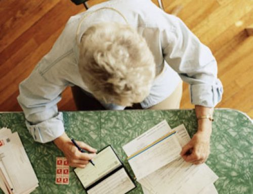 Το μολύβι και το χαρτί όπλα στα χέρια των ατόμων μεγαλύτερης ηλικίας